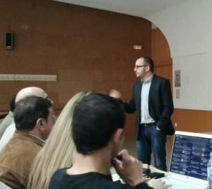 Jorge Villar impartiendo un curso de e-commerce en la Universidad de Alciante